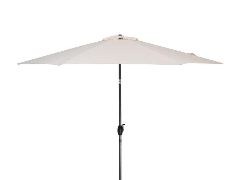 Sombrilla de manivela clara con dispositivo articulado para proyectar la sombra óptima.