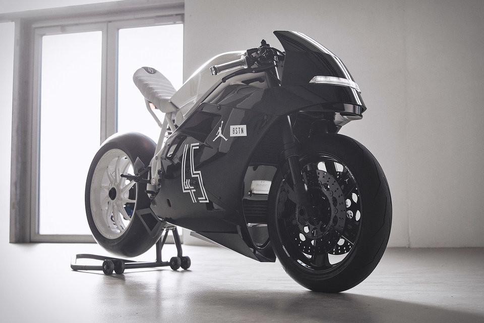 Foto de Ducati 916 BSTN (1/8)