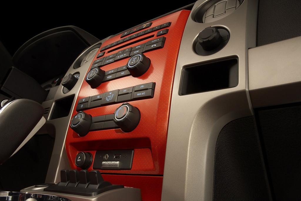 Foto de Ford F-150 SVT Raptor (22/37)