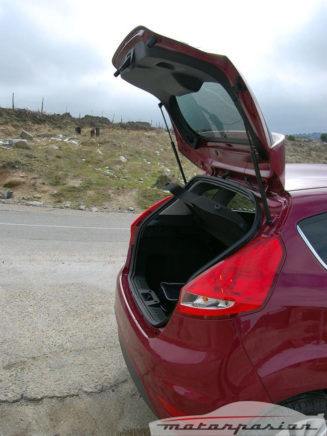 Foto de Ford Fiesta 5p (prueba) (10/40)