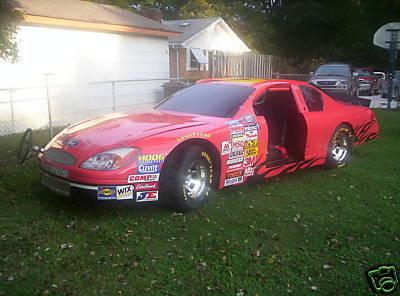 Coche NASCAR edición Playstation barbacoa