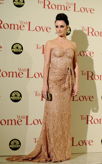 El look de fiesta de Penélope Cruz en la première de 'To Rome with Love' en Roma, otro triunfo de estilo