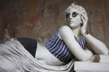 ¿Pueden las esculturas clásicas ser hipsters? El trabajo de este fotógrafo demuestra que sí