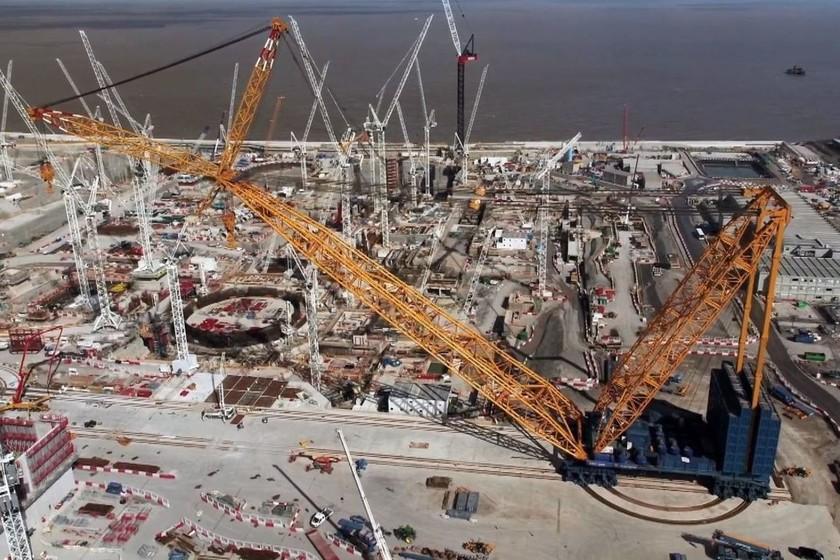 Así es 'Big Carl', la grua más grande del planeta gracias a sus 250 metros de altura y capacidad de carga de... - Xataka