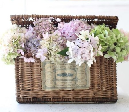 Cestos cestas y flores secas un valor decorativo seguro - Adornar cestas de mimbre ...