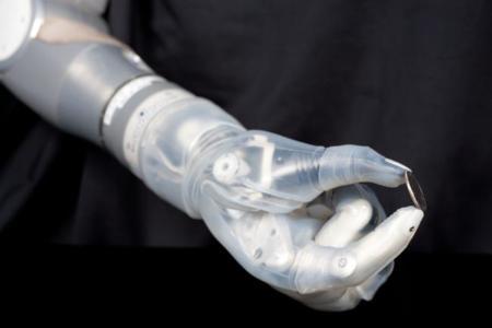 Deka, un brazo robótico con el que ser más precisos