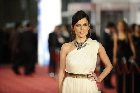 Las mejor vestidas en la alfombra roja de los Premios Goya 2012: poco riesgo y grandes firmas con estilo