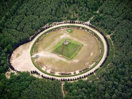 Pyramid Of Austerlitz 52 590x442