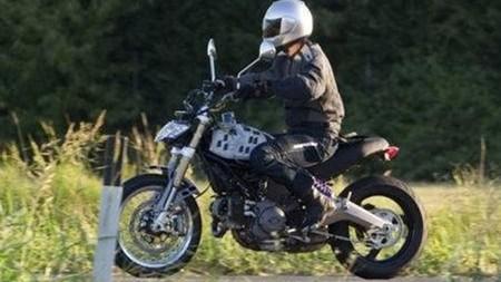 Ducati Scrambler, foto espía