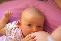 La lactancia materna se asocia a menor riesgo de SMSL y de epilepsia