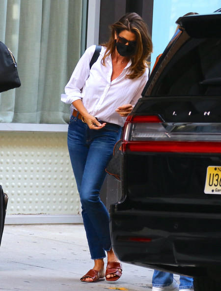 cindy crawford kaia gerber street style