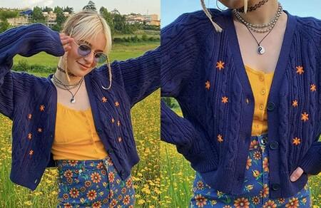 Cardigan Azul Con Flores Bordadas