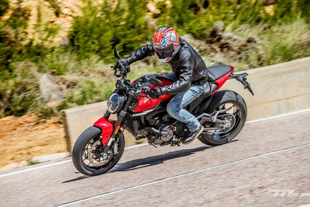 Ducati Monster 2021 Prueba 007