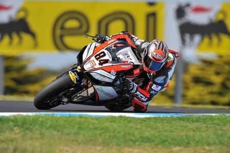 Michel Fabrizio podría volver a Superbikes con el Aprilia Red Devils