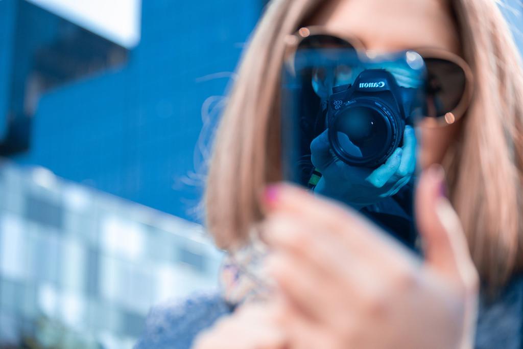 Tres razones por las que las cámaras réflex y sin espejo son mejores que los smartphones (y siempre lo serán)