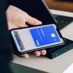 La Unión Europea, contra el NFC de Apple: quieren que el sistema de pagos se abra a terceros, según Reuters