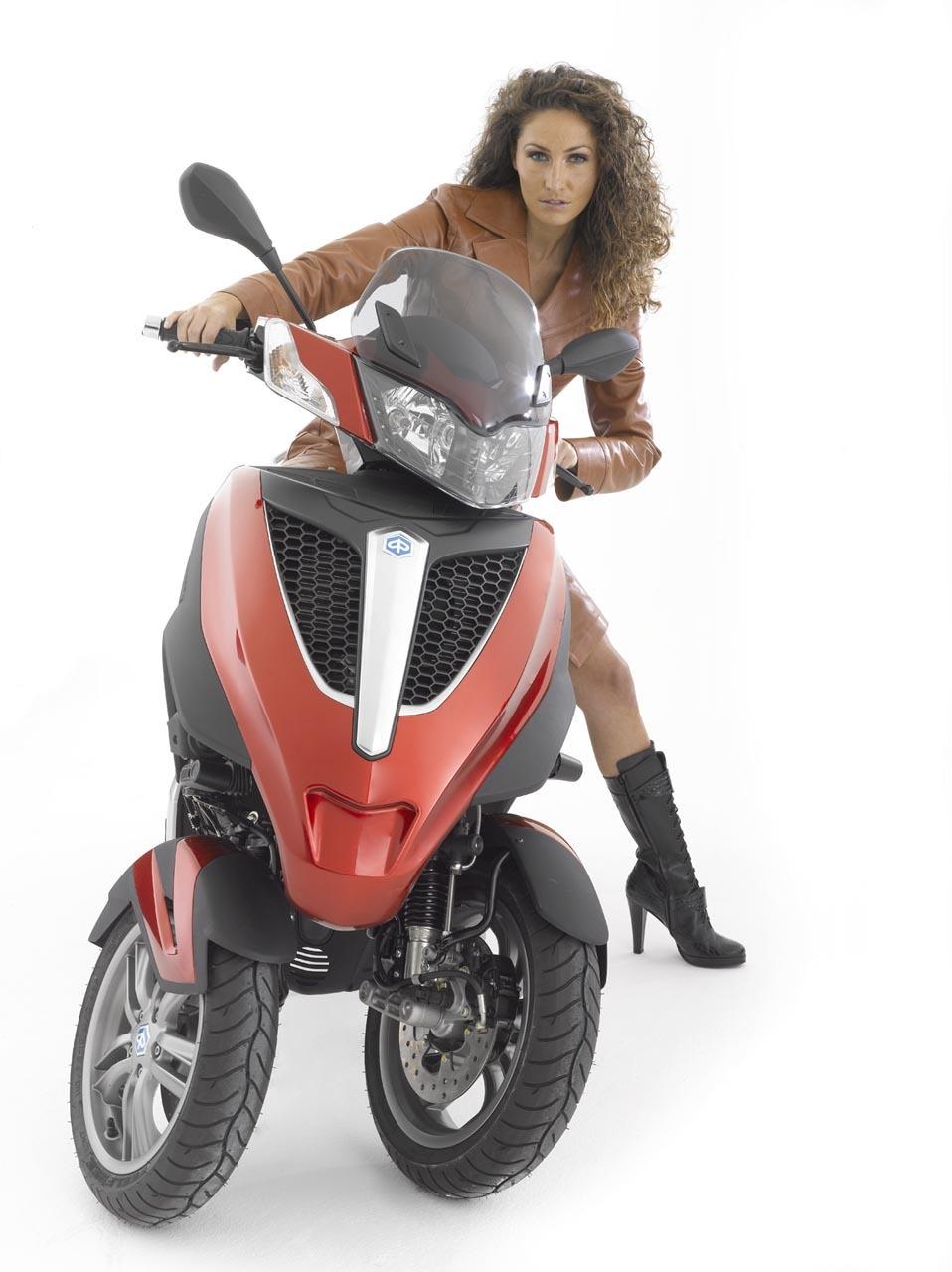 Foto de Piaggio MP3 Yourban, un modelo que complementa la gama (15/20)