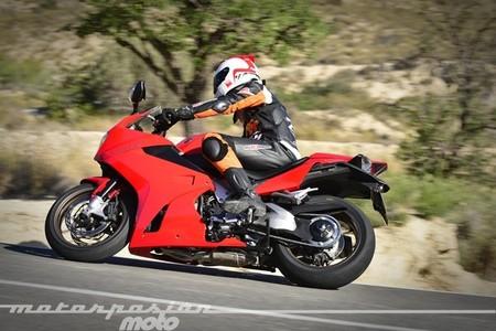 Honda VFR800F, prueba (conducción en autopista y pasajero)