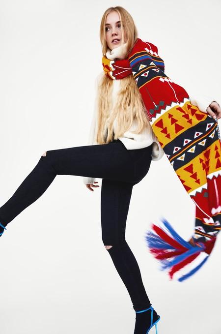 Esta es la bufanda de Zara por la que suspiran tanto hombres como mujeres