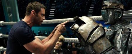 Hugh Jackman y el robot protagonista de