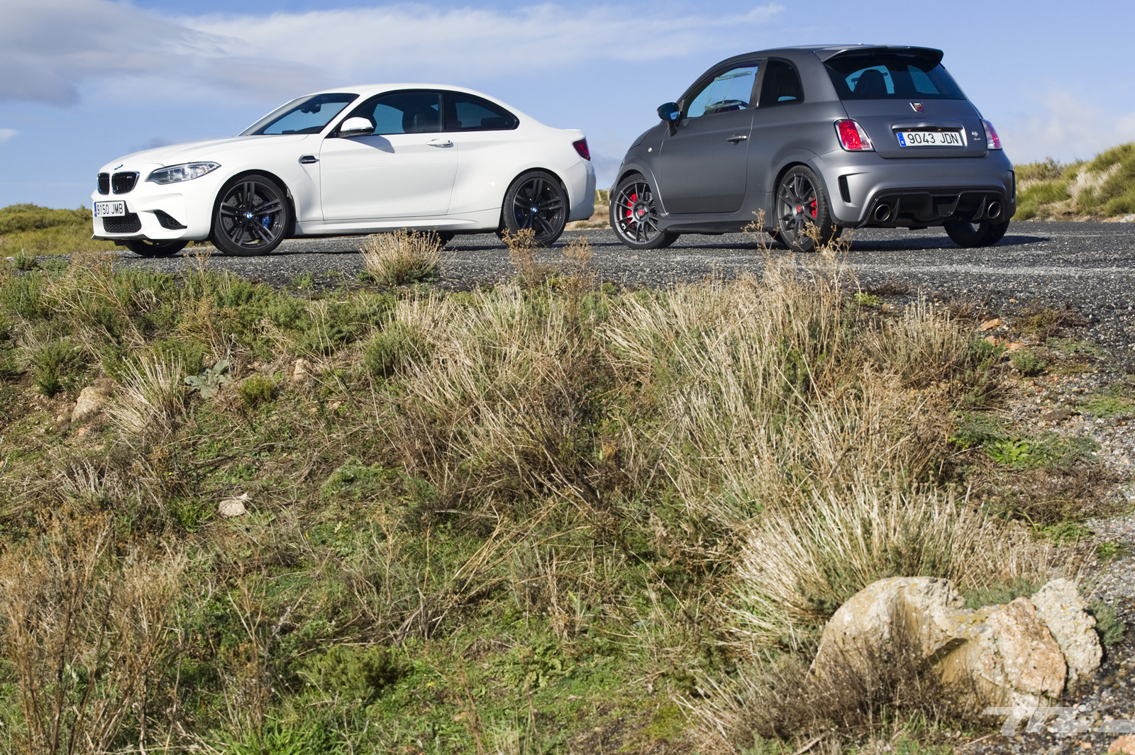Foto de Abarth 695 Biposto vs BMW M2 (7/44)