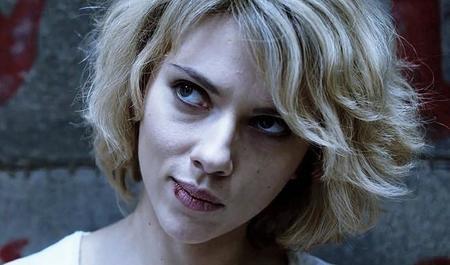 'Lucy', los aburridos poderes de Scarlett Johansson