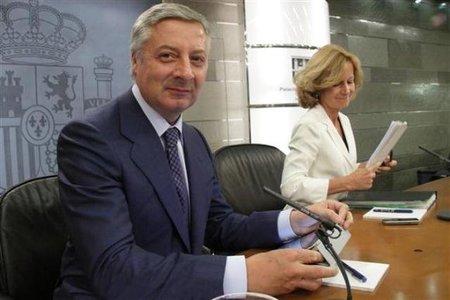 """El Gobierno aprueba un paquete de medidas económicas """"extraordinarias"""""""