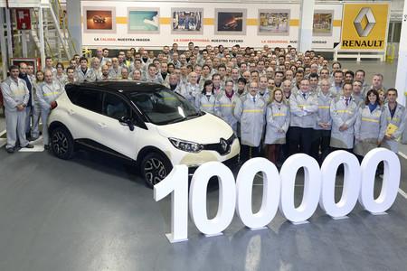 Renault Valladolid celebra el Renault Captur número 100.000 vendiendo en Japón