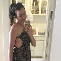 Una 'instagrammer' con un vestido a medio abrochar se convierte en viral por su poderoso mensaje 'body positive'