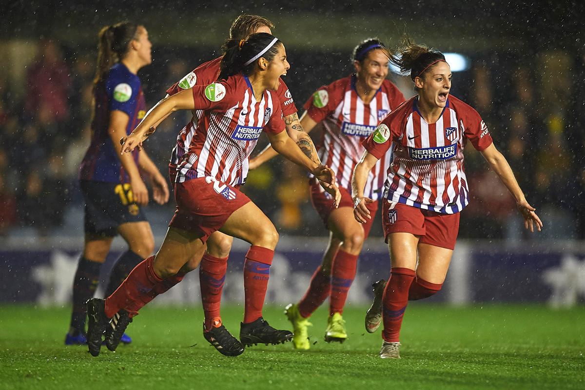 949f3f63cae2 50.000 personas asistiendo a un partido: el fútbol femenino ya está ...