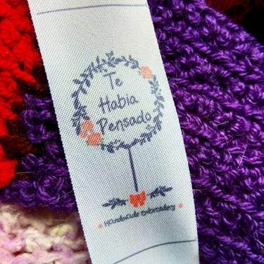21 mensajes que nos gustaría leer en las etiquetas de ropa en vez del nombre de la marca