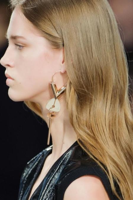 Clonados y pillados: el pendiente más molón de Louis Vuitton ya tiene su clon