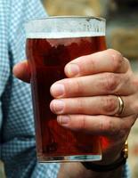 En Hungría, nunca brindes con cerveza