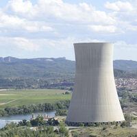 Más leña al debate de la energía nuclear: por qué la amortización de las centrales nucleares ha puesto en pie de guerra a las eléctricas