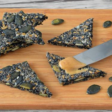 Dieta keto para veganos: estos son los alimentos que puedes incluir en tu mesa habitual y 17 recetas para consumirlos