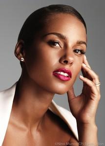 Alicia Keys se convierte en la nueva imagen de parfums Givenchy