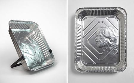Retratos en bandejas de papel de plata, por Idan Friedman