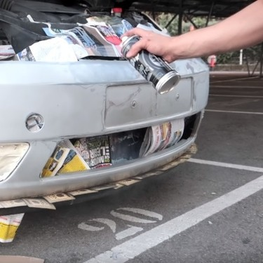 Vicesat deja como nuevo un coche salvado del desguace por 350 euros y se convierte en el MacGyver de YouTube