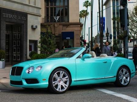 Si te acercas a Beverly Hills puedes quedarte con este Bentley Continental GTC V8