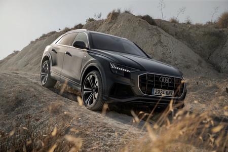 Audi Q8 08 campo