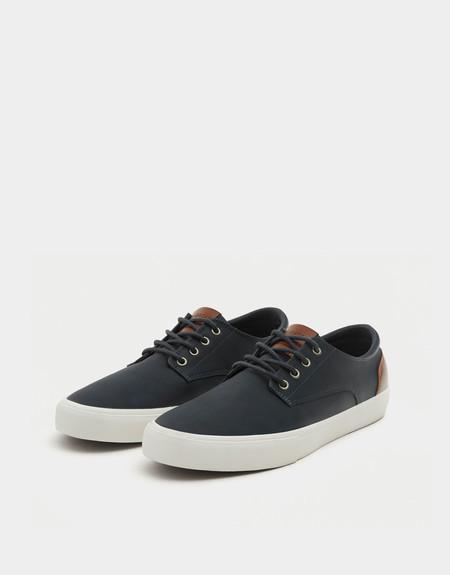 50% de descuento en estas zapatillas summer azul en Pull&Bear: se quedan en sólo 12,99 euros
