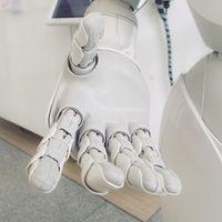 Una inteligencia artificial, aunque sea autora de un invento, no puede patentarlo legalmente en Europa o EE.UU.