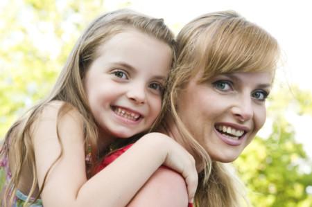 Los 14 consejos sobre crianza que todos los padres saben pero pocos cumplen