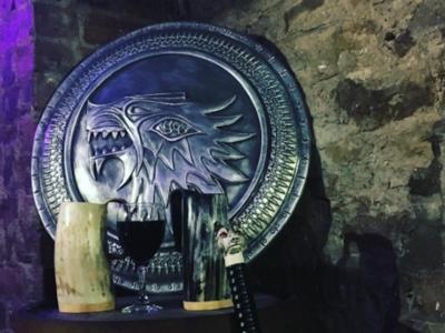 De este pub de Edimburgo dedicado a Juego de Tronos saldrás con vida pero quizá con resaca