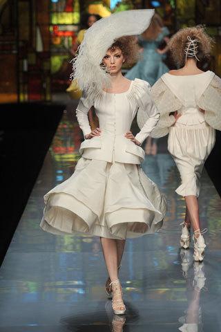 Foto de Christian Dior Alta Costura Primavera-Verano 2009 (3/7)