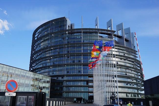 Así pretende Europa reducir los excesos de los bancos