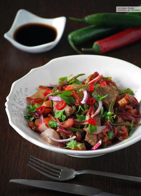 Ensalada tailandesa de ternera. Receta de inspiración thai