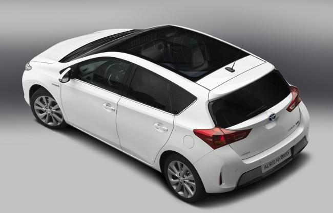 Toyota Auris Híbrido 2013 05