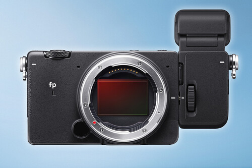 """Sigma FP L, la nueva """"cámara de bolsillo full-frame"""" sube la apuesta hasta los 61 Mpíxeles (y llega acompañada del visor EVF-11)"""