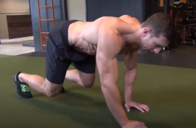 Animal flow: aprende a realizar tiger crawl para fortalecer el core entrenando sin material